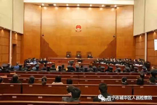 80后女律师被控恶权力,台州木工培训学校再谈引争议:相信法律公平公正