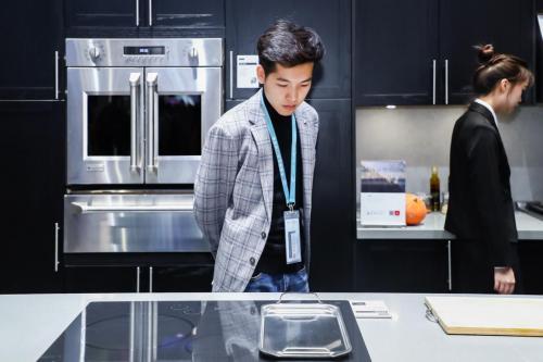 """""""海尔系""""厨电全球协同:通用家电进博会展示"""